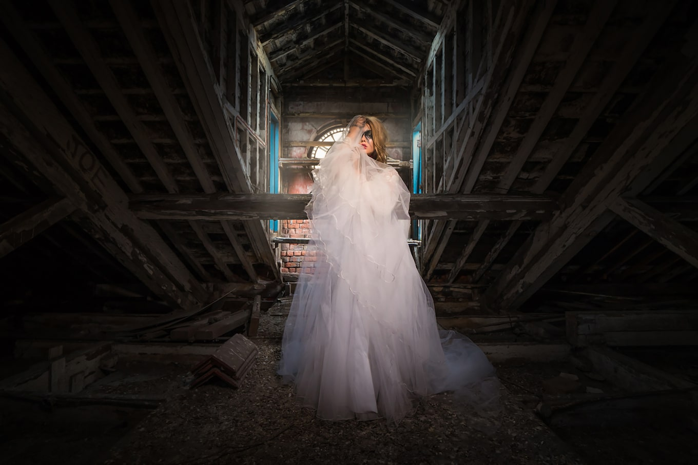 terry-donnelly-sony-alpha-9-bride-in-abandoned-church-with-heavy-eye-make-up